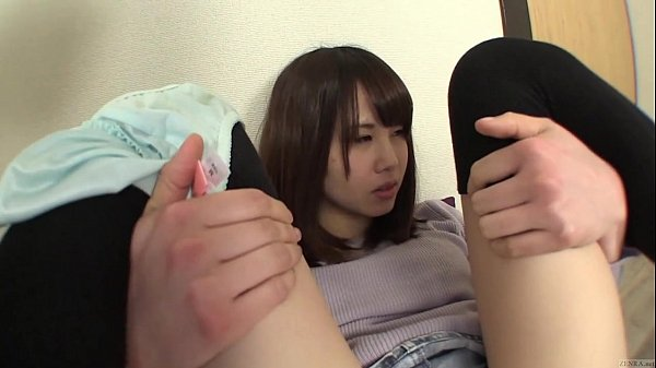 embarrassed japanese homemade tries for pee a amateur japanese