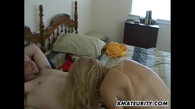 amateurity what a horny too beautiful amateur blowjob