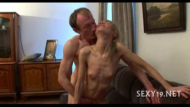 chick is eating anaconda how sexy how special amateur russian