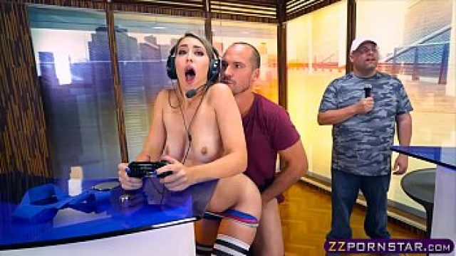 Amateur Anal young blonde gamer adorable screws on gamer